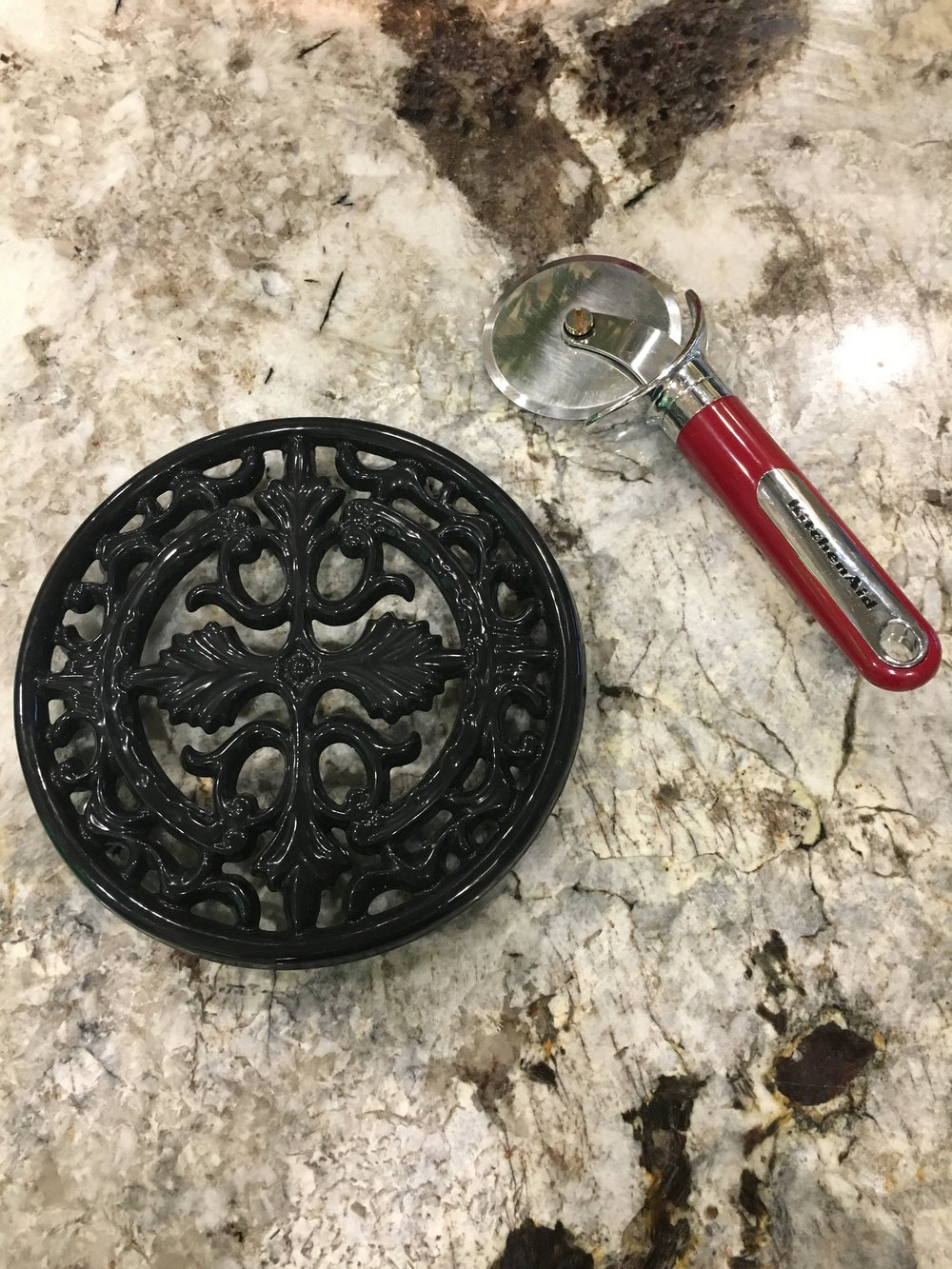 Staub Cast Iron/ Stone Holder (Great for HOT Dishes)
